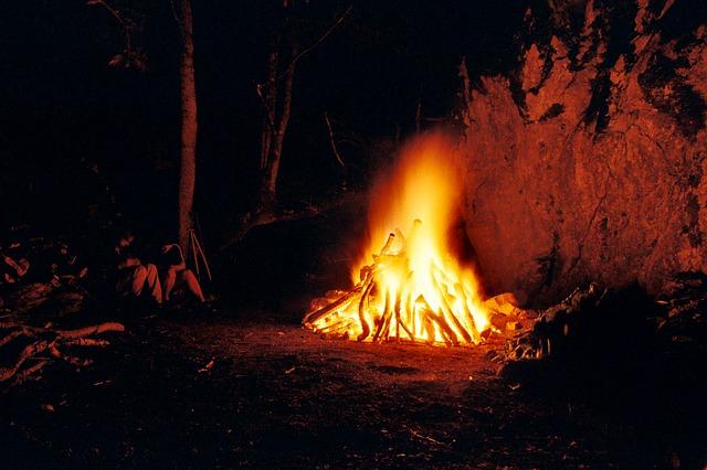 fuego ritual en el solsticio de verano